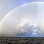 Un demi-cercle complet pour ce spectaculaire arc-en-ciel