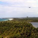 Du haut du Morro do Taipú : à gauche l'Océan Atlantique, à droite le Lagoa Azul