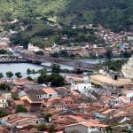 De l'autre côté du pont, le village de São Felix