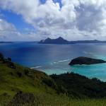 Sommet d'Akamaru (246 m), vue sur l'île Mekiro et le mouillage (13)