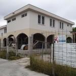 « Le chantier » : depuis 2011, l'abri de survie de Amanu en construction