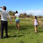 Sur les crêtes de Vaipaee, en balade avec Monia et sa fille Kupuani