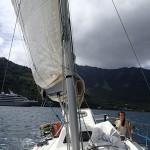 Le Soleal, bateau de croisière, dans la baie de Hatiheu