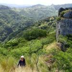 L'aiguille de basalte sur le chemin ancestral qui relie Taiohae et Hakaui