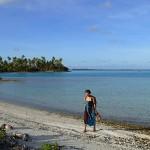 Le lagon bleu en robe tahitienne