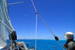 Dans le tour de l'atoll de Tahanea
