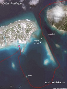 Le long chenal de la passe Est de l'atoll de Makemo