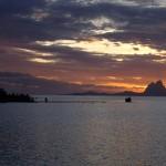 Baie de Pueheru, coucher de soleil sur Bora Bora