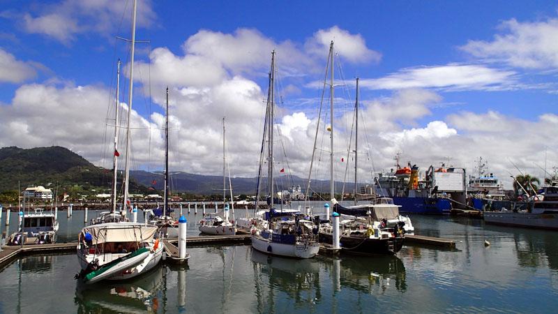 L'Envol dans la marina d'Apia