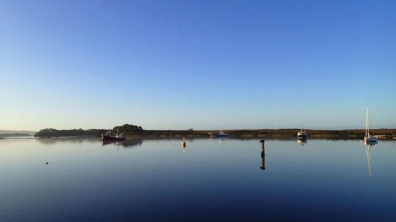 Retour à Strahan dans la très protégée Mill Bay