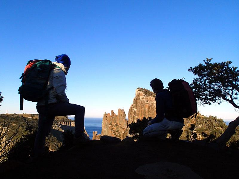 A ma gauche, le Blade et derrière Carina, le phare de Tasman Island