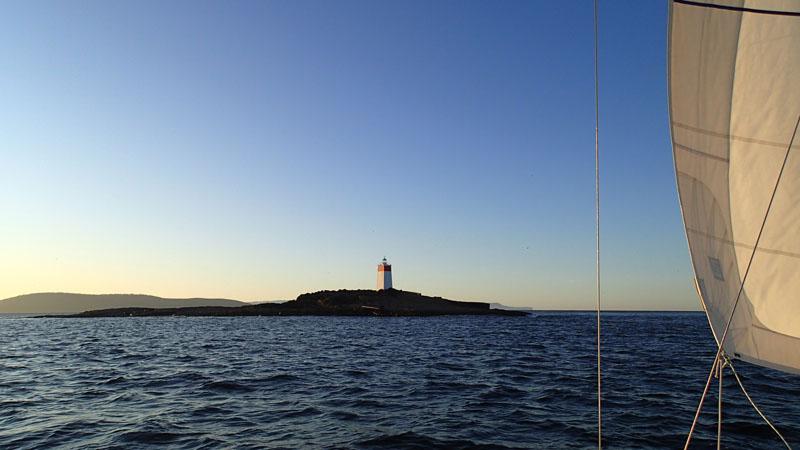 L'obélisque du phare d'Iron Pot