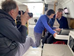 L'équipe d'ABC News sur L'Envol (Photo Selina Ross)
